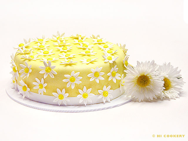 Lemon Buttermilk Poppy Seed Cake with Fondant Daisy Flowers