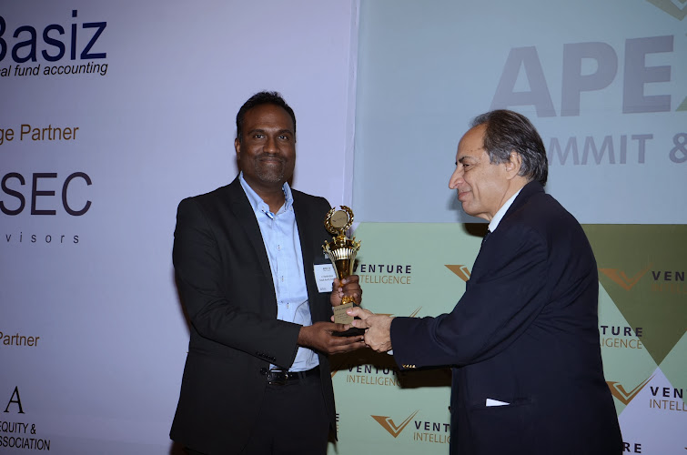"Kotak Realty Funds Director V Harikrishna receiving ""Best Private Equity in Real Estate Investor-2013"" Award"