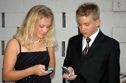 Make Your Date Memorable With Online Dating Tips Image