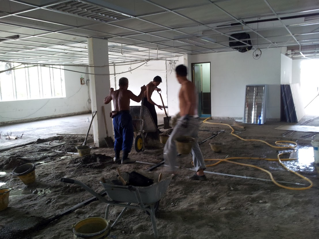 lay new cement layer for tiling