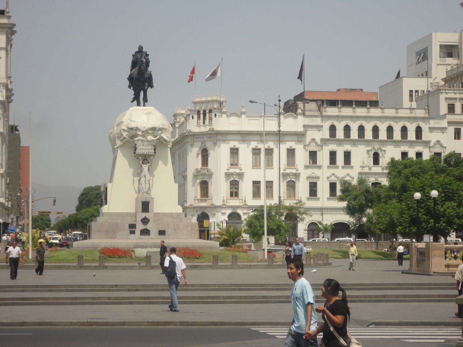 how to go from lima airport to city center