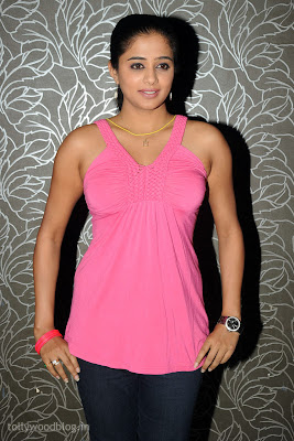 Spicy South Indian Telugu Tamil Heroine Priyamani latest new hot