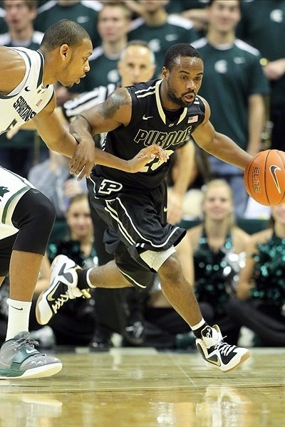 Wearing Brons Nike LeBron 9 iD Sightings 8211 College Edition
