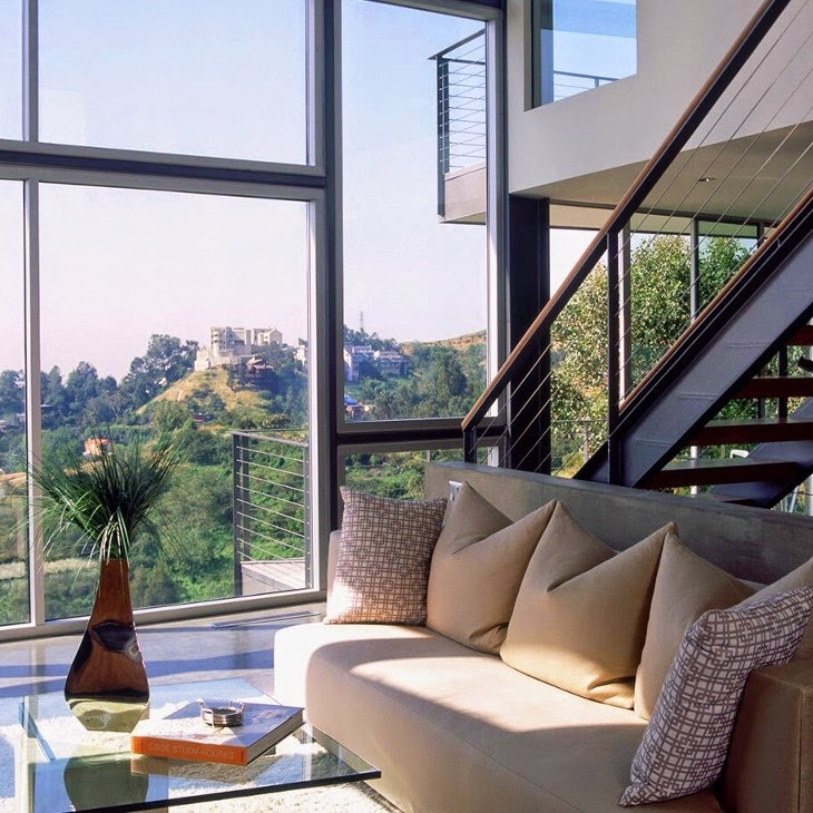Spacious Residence in the Hollywood Hills