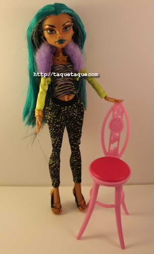 Nefera de Nile con uno de los Fashion Packs de la Wave 4: el de Clawdeen