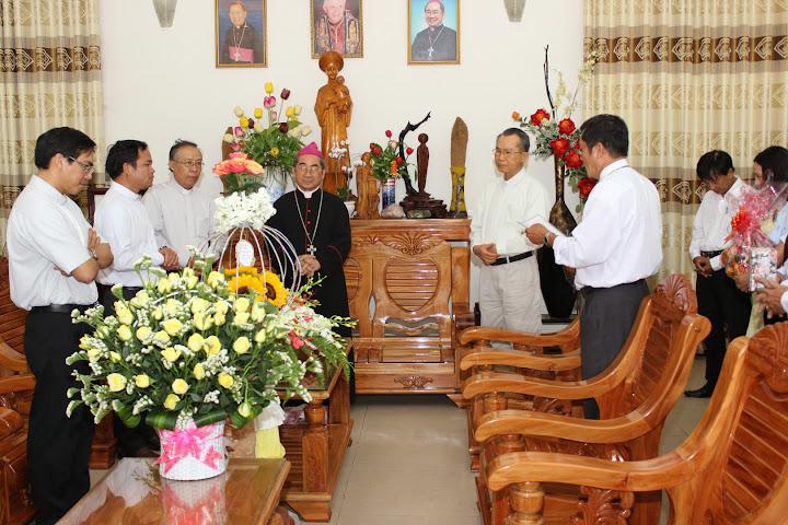 Hình ảnh các trưởng ban cùng các ban ngành đoàn thể mừng lễ bổn mạng Đức Cha Giuse, Giám mục Giáo phận Nha Trang