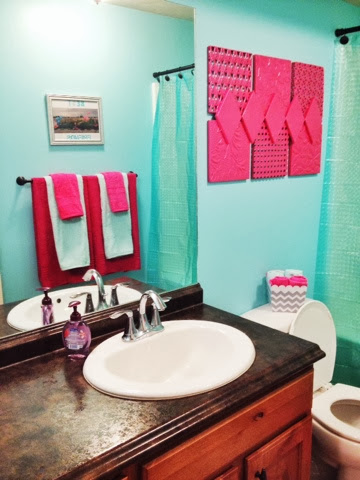 Hot pink and aqua girls bathroom a vision to remember for Turquoise and pink bathroom