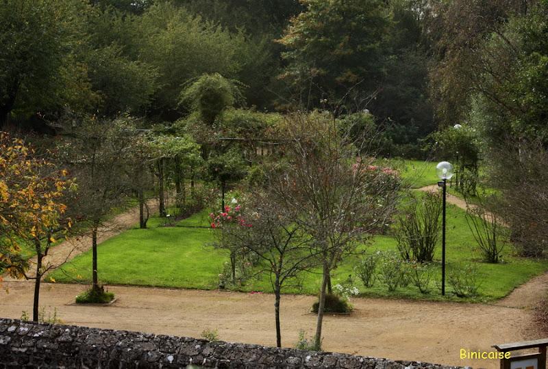 Jardins Lassay les Châteaux . dans Jardins et maisons Jardin%252520Lassay%25252002