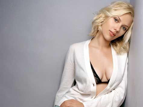 Scarlett Johansson en sujetador