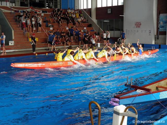 FOTOREPORT - první halový pohár dračích lodí v Praze
