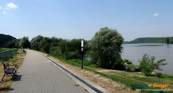 kazimierz dolny nad wisłą - nad rzeką
