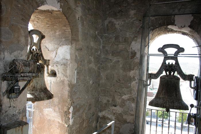 """A la izquierda Campana """"La inmaculada"""" - a la derecha Campana """"La Encarnación"""""""