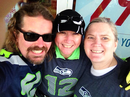 Wil, Sunny, and Suz before the Seahawks 12K