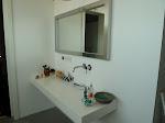 Spiegel im Bad (ja, das Waschbecken fehlt noch...)