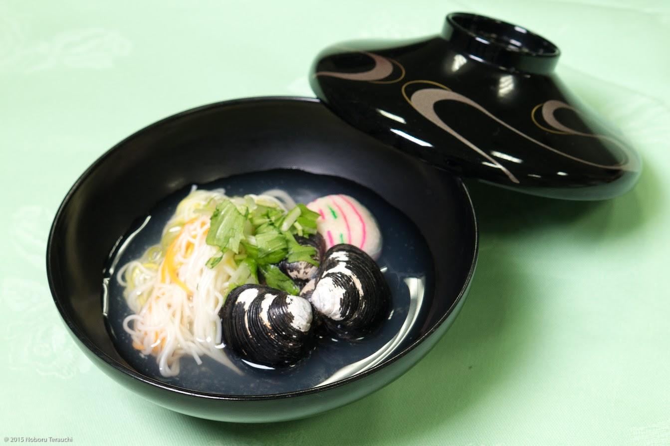 椀物:野菜素麺 蜆 手鞠麩 水菜