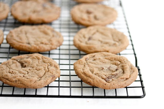 close-up photo of cookies on a baking rack