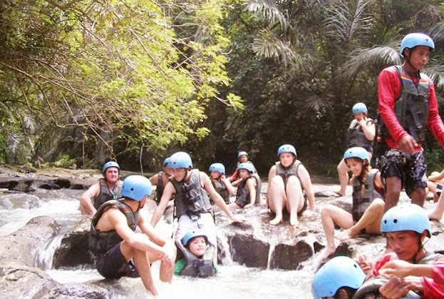 Bali Tubing Adventure Relaxing at Stop Point