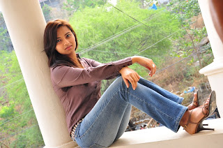 Isha Chawla in Jeans & Full Shirt Pics