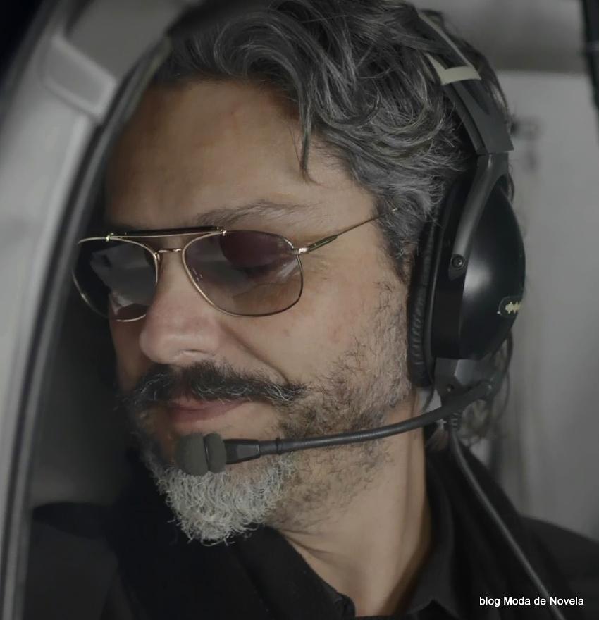 moda da novela Império - óculos do José Alfredo no capítulo dia 21 de julho