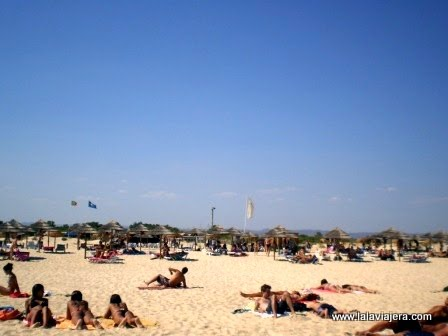 Playa de Isla Tavira, con Bandera Azul