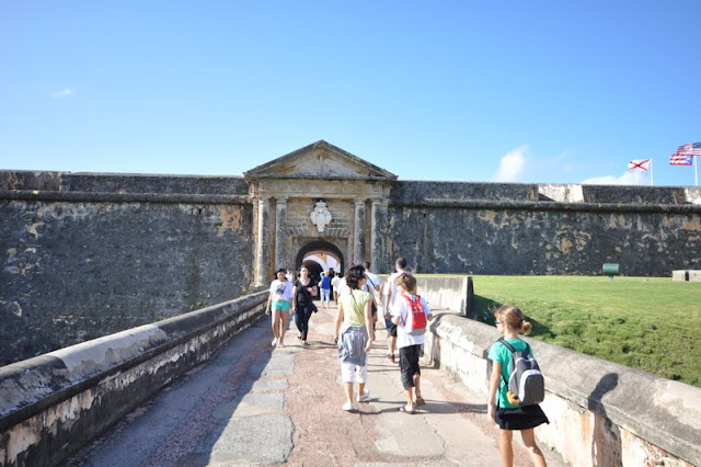 the approach to El Morro