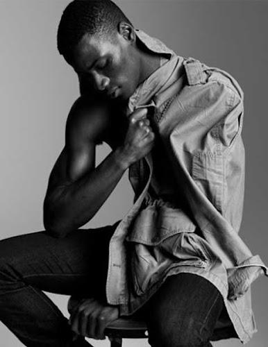 David Agbodji, sentado