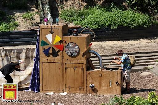 Sjluuk & Co en de geheime speelgoedmachine Openluchttheater Overloon 25-07-2012 (32).JPG