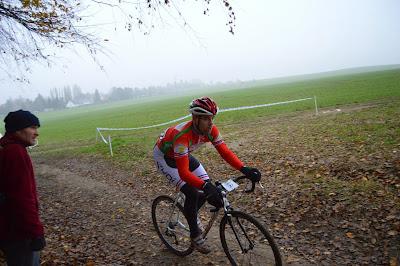 https://picasaweb.google.com/accatenoy/ChampionnatOiseCyclocross30Novembre2014#6088300784003669138