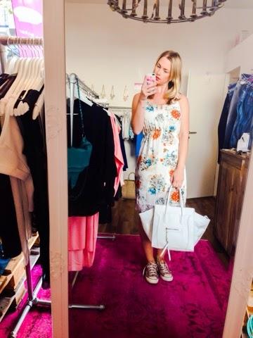 la parisienne-outfit-des-tages-sommerkleid
