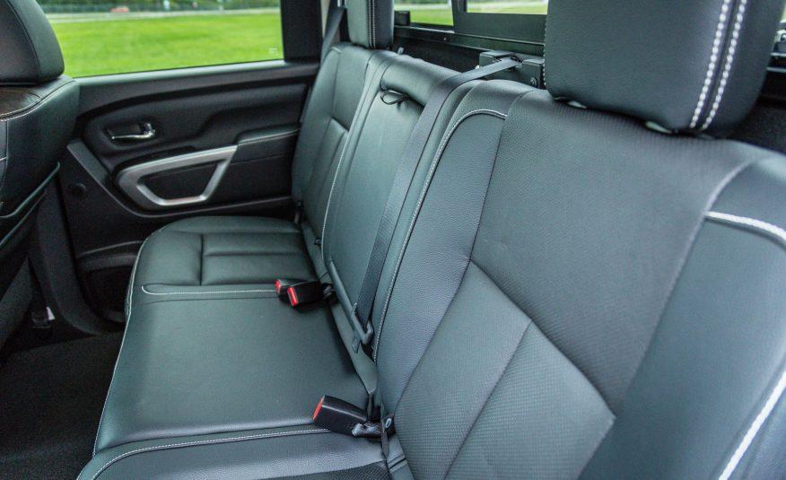 Hàng ghế thứ hai của Titan 2017 khiến bất cứ chiếc SUV nào cũng phải ghen tị