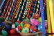 Mercado de artesanía, muy colorido