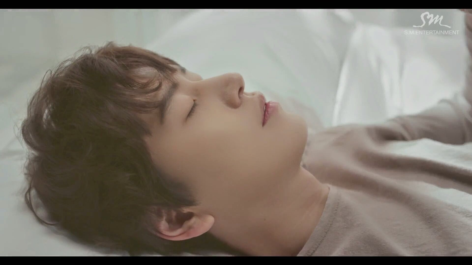 Kyuhyun at gwanghwamun mv download