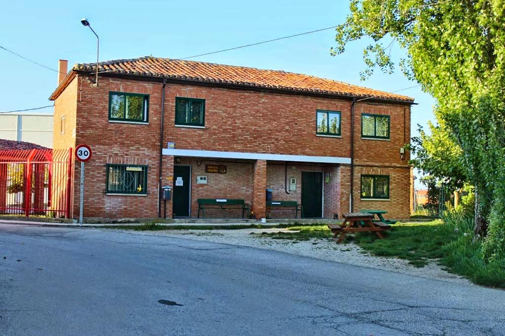 Albergue de peregrinos municipal de Tardajos, Burgos, Camino de Santiago