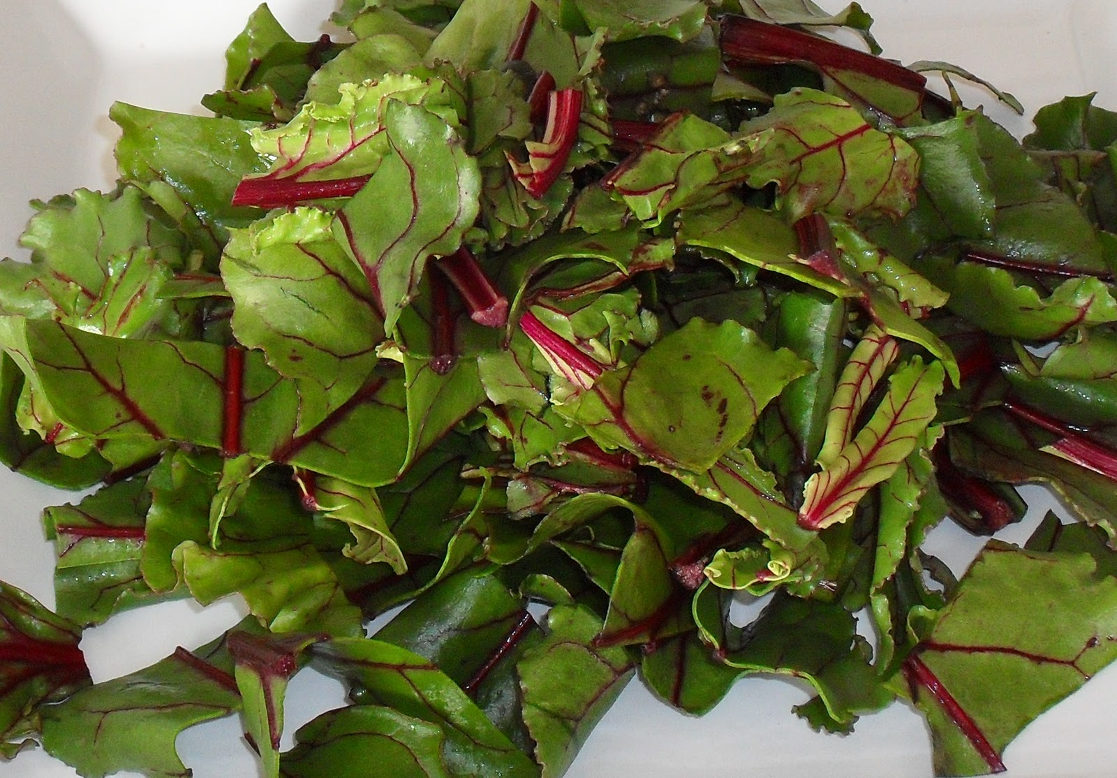 Beet greens, sliced