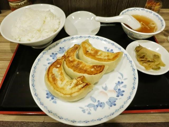 ジャンボ餃子3個つきの餃子定食
