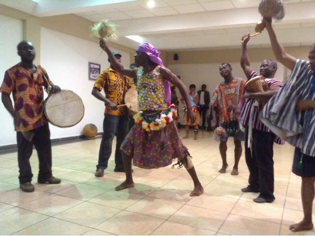 Oh My GHANA, I'm in Africa: Traditional dancing by Saakumu