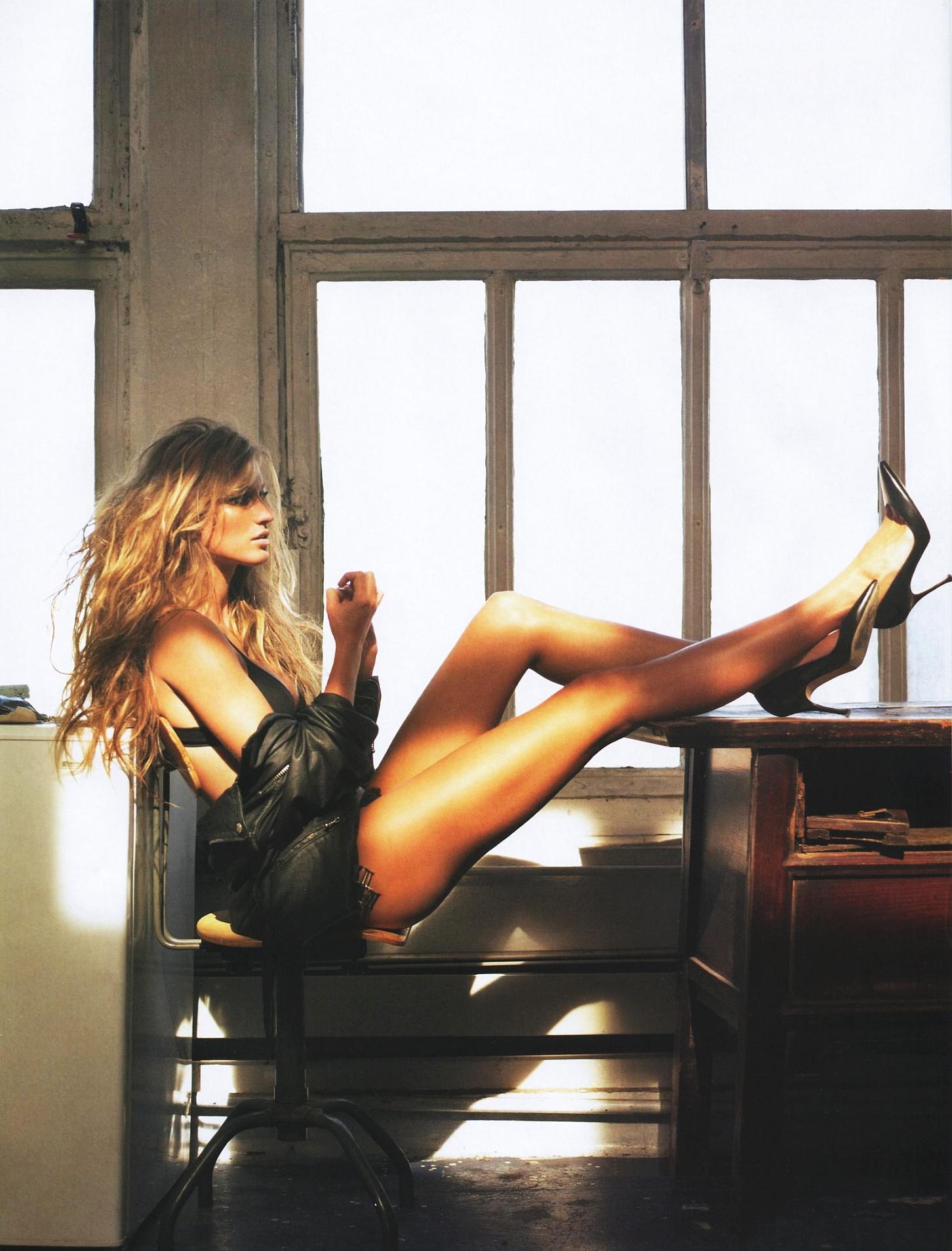 Смотреть онлайн женские ножки 1 фотография