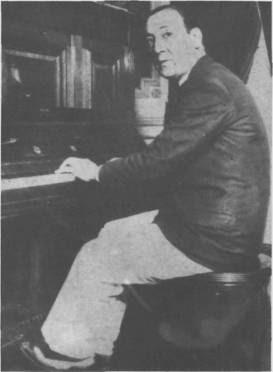 Juan Carlos Cobian en 1933