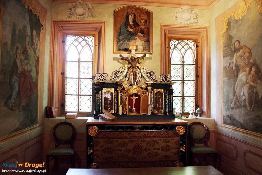 Pałac w Kurozwękach - kaplica pałacowa