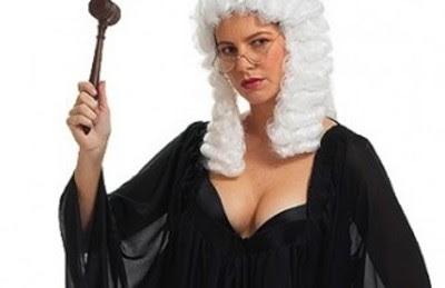http://lh5.googleusercontent.com/-eVvtQAhUVUw/UI5m_6AH_zI/AAAAAAAAZnU/DwBEPEdJ_UY/s400/judgeladysm.jpg