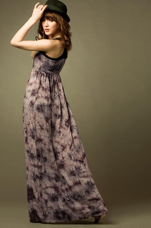 pour choisir une robe robes longues des annees 70. Black Bedroom Furniture Sets. Home Design Ideas