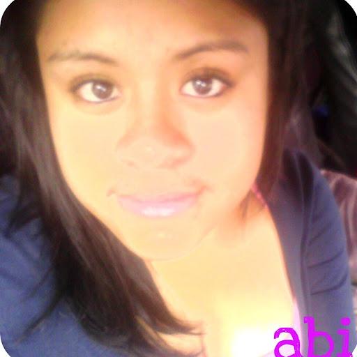 Abigail Lazaro Photo 14