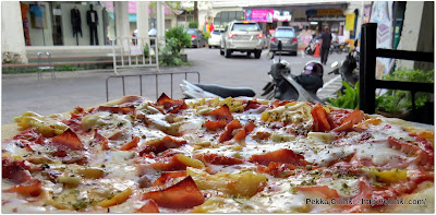 Spaghetti & C at Phuket town, Hawaian Pizza