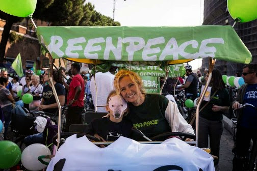 GREENPEACE: IN MIGLIAIA IN BICICLETTA PER SALVARE L'ARTICO, DA ROMA A BUENOS AIRES