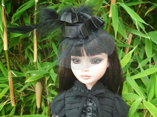 Pénélope, l'Essential 5 brunette de Puppedoll Ello%25205%2520brunette%252BOhmyGoth-0002