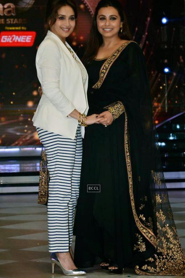 Madhuri Dixit with Rani Mukerji on the sets of Jhalak Dikhhla Jaa 7.(Pic: Viral Bhayani)