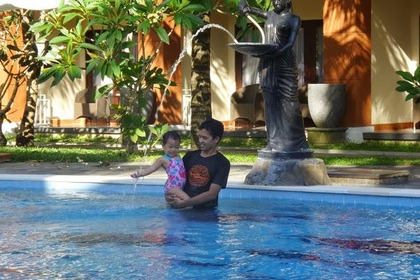 Berenang di The Arnawa