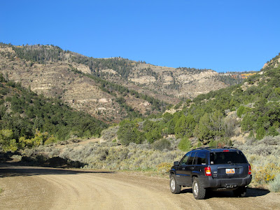 Starting the drive onto Gentry Mountain near Mohrland with a clean Jeep