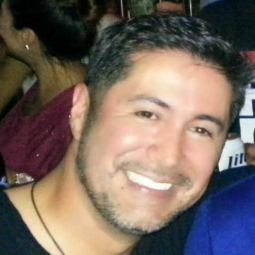 Scott Ruiz