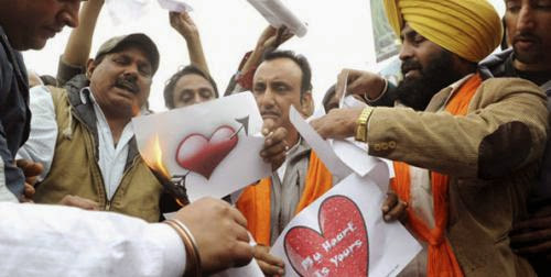 Malaysian Muslims Warned Against Valentines Day